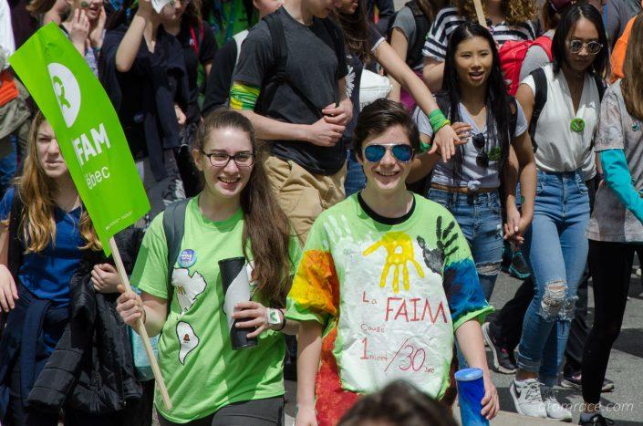 Étudiants à la Marche monde 2017