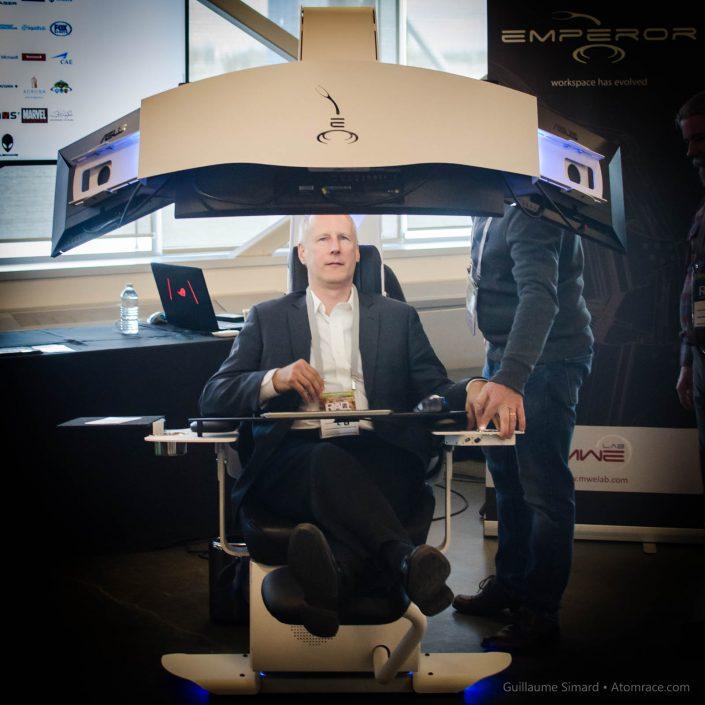 Denis Boulanger et la chaise Emperor